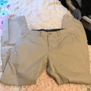 GAP 31x32 stone colored khakis straight fit